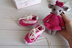 Gift set for baby girl - booties-sneakers for girl months and a toy elephant. Baby elephant's height including the bow inches. Baby Gift Sets, Baby Girl Gifts, New Baby Gifts, Newborn Photography Props, Newborn Photo Props, Handmade Ideas, Handmade Crafts, Unique Baby Gifts, Gifts For New Moms