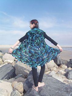 Smukkevestblaua_small2 round crochet circle vest free pattern revelry