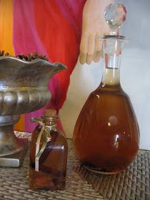 Como disse anteriormente, já chegou mais um garrafão de 5 L de boa aguardente a casa da Isabel. Resolvi fazer o de canela pela sua s...