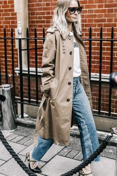 Trench coats and pointed-toe heels make for the perfect combo.