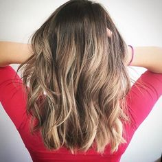 It might be #aprilfools but we are not foolin around with this #natural looking #bronde #balayage #haircolor and loose #waves styled with #usmooth. May your #Saturday be filled with great #hair and a few #tricks To #celebrate the day Hair by @balayagebrittany  TAG@usmoothhair for a chance to be featured on our account!