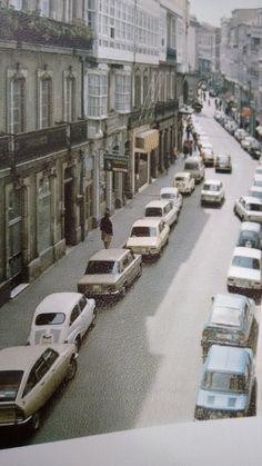CALLE RIEGO DE AGUA,ANTES DE QUE LA HICIESEN PEATONAL,PUTA MANIA QUE TIENEN LOS ALCALDES INEPTOS CON PEATONALIZARLO TODO. Spain, Street View, Relleno, City, Irrigation, Santiago De Compostela, Old Pictures, Towers, Sevilla Spain