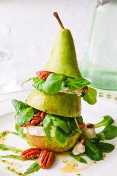 Vertikaalinen päärynä-vuohenjuustosalaatti / vertical pear & chèvre salad