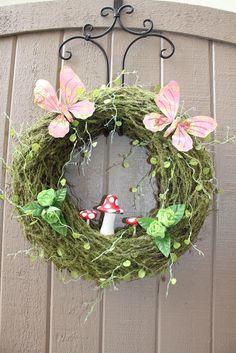 Wreath at a Fairy Garden Party #fairygarden #partywreath