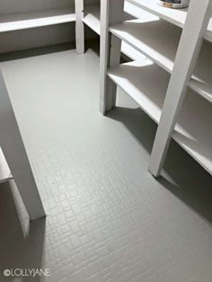 how to paint stencil floors on ANY floor type: linoleum, ceramic tile, porclain tile, vinyl, hardwood floors and more! Painted Bathroom Floors, Painted Wood Floors, Painting Tile Floors, Bathroom Flooring, Kitchen Flooring, Painted Linoleum, Diy Flooring, Stenciled Floor, Floor Stencil