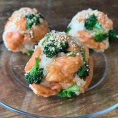 Asian Recipes, New Recipes, Holiday Recipes, Ethnic Recipes, B Food, Rice Balls, Bento Box Lunch, Easy Snacks, Korean Food