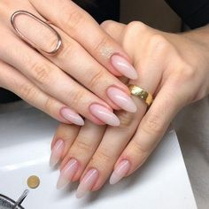 Want some ideas for wedding nail polish designs? This article is a collection of our favorite nail polish designs for your special day. Natural Acrylic Nails, Almond Acrylic Nails, Pink Acrylic Nails, Acrylic Nail Designs, Natural Nails, Long Almond Nails, Classy Nails, Stylish Nails, Cute Nails