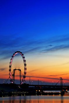 "Travel// The ""Singapore Flyer"". I rode the World's Highest Skyscraper."