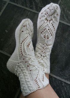 Mitten Gloves, Mittens, Knitting, Handmade, Fashion, Tights, Socks, Hand Made, Moda