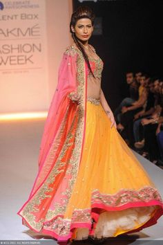 LFW'13: Anushree Reddy Photos - Indian Shows - Fashion - Navbharat Times Photodhamaal