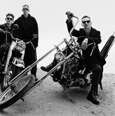 """Am Dienstag haben Depeche Mode in Mailand ihr neues Album """"Spirit"""" angekündigt. Auf der Pressekonferenz verriet die Band nur wenig über die neue Scheibe. In den anschließenden Interviews gaben sich Dave Gahan und Martin Gore dagegen redseliger. Wir fassen zusammen, was bisher über das neue Album von Depeche Mode bekannt ist."""