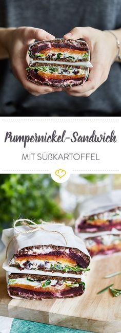 Süßkartoffeln und Rote Bete zwischen Honig-Rosmarin-Ricotta, Cranberries und Feldsalat, eingerahmt von zwei Scheiben Pumpernickel - so geht ein Sandwich!