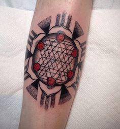 Sacred geometry mandala by Alena Chun in Portland, OR. instagram @alenachun