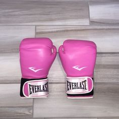 Pink Everlast Boxing Gloves So cute! In great shape Everlast Other