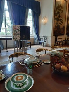 London Craft Week is all about the wonders of international craftsmanship and Boca do Lobo, ambassadors of Portuguese art furniture, are showcasing some of their most iconic pieces at the Portuguese Embassy today.