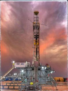 Nice Shot Oilfield Trash, Waste To Energy, Petroleum Engineering, Oil Platform, Oil Field, Drilling Rig, Oil Rig, Oil And Gas, Rigs