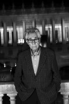 photographer Elliott Erwitt - photo © Yan Morvan, 2016 Great Photographers, Portrait Photographers, Elliott Erwitt, Gentleman, Fashion, Photography, Moda, Fashion Styles, Gentleman Style