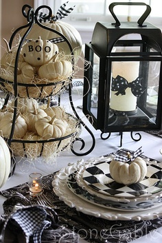 Love black & white for Halloween!