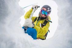 Lawinenkurs für Frauen - Mehr Tipps und Infos auf dem Blog. Rain Jacket, Windbreaker, Blog, Ski Resorts, Ski Holidays, Winter Vacations, Winter Landscape, Skiing, Woman