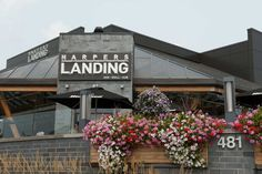 Harpers Landing is a great Bar Grill Hub Restaurant located in Oakville that is known for it's great food & atmosphere. Oakville Restaurants, Places To Eat, Great Places, Hub Restaurant, Bar Grill, Landing, Whole Food Recipes, Grilling, Crickets