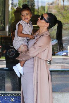 Kim Kardashian & North West - Safari