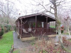 Delightful two bedroomed lodge in a beautiful, woodland . Woodland, Places To Go, House Styles, Dogs, Holiday, Beautiful, Home Decor, Vacations, Decoration Home