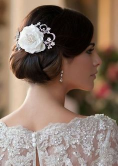 #Wedding #Hair vintage ♡ Wedding Planning App … How to organise an entire wedding, within your budget https://itunes.apple.com/us/app/the-gold-wedding-planner/id498112599?ls=1=8 ♥ Weddings by Colour http://pinterest.com/groomsandbrides/boards/ ♥
