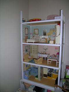 I loved my Sindy house. So multifunctional as used to take it apart and make new toys with it. Made a fab cot lol 1970s Toys, Retro Toys, Vintage Toys, 1980s Childhood, My Childhood Memories, Sindy Doll, Dolls, Best Doll House, Miniature Crafts