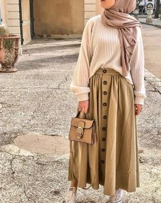 Beige - Skirt Source by nurlaksmi outfits hijab Casual Hijab Outfit, Modest Fashion Hijab, Modern Hijab Fashion, Street Hijab Fashion, Hijab Fashion Inspiration, Muslim Fashion, Mode Inspiration, Skirt Fashion, Casual Outfits