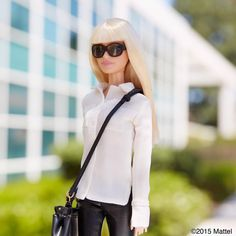 A cross-body bag is a must for a productive Friday! #barbie #barbiestyle