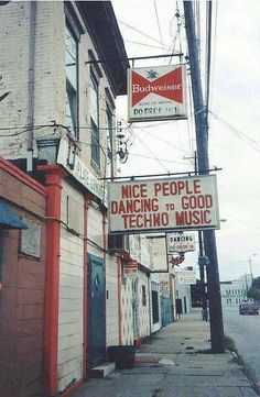 #House Music #Tech House Music #Dance music Hahaha!! This actually kills me - amazing sign!