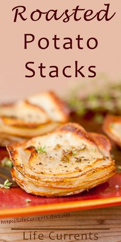 These roasted potato stacks are impressive looking and super tasty. They get crispy little edges and a soft, almost creamy center. They're pretty easy to make too. They're great at breakfast, brunch, dinner, heck anytime! Healthy Side Dishes, Side Dishes Easy, Vegetable Side Dishes, Side Dish Recipes, Healthy Snacks, Main Dishes, Sin Gluten, Fall Recipes, Holiday Recipes