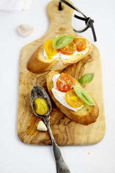 Roasted Heirloom Tomatoes and Burrata Crostini