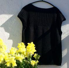 Opskrift til 5 størrelser Overvidde: 96 cm / 99 cm / 103 cm / Cardigans, Sweaters, Drops Design, Knitting For Kids, Facon, Danish Design, Tweed, Crochet Top, V Neck