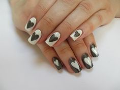 I love hearts and here's nail art that isn't your typical red or pink <3's- gives it a chic contemporary look. Colours used are ORLY's 'Sea Gurl' and ORLY's 'Gogo'.