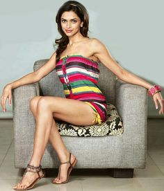 The hot sexy legs show of unseen ever of indian bollywood cutest and famous actress deepika padukone . Indian Bollywood Actress, Bollywood Actress Hot Photos, Beautiful Bollywood Actress, Beautiful Indian Actress, Deepika Padukone Hair, Bollywood Bikini, Bollywood Girls, Deepika Bikini, Dipika Padukone