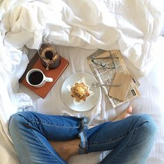 Relaxing Photos, What Makes Me Me, Lazy Days, Lazy Sunday, Slow Mornings, Morning Mood, Brand New Day, Looks Yummy, Breakfast In Bed