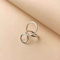 Minimal Photography, Jewelry Photography, Jewelry Bracelets, Jewelery, Silver Earrings, Jewelry Design, Photoshoot, Gifts, Editorial