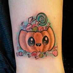Tatuaje kawaii: calabaza de halloween | Kawaii tattoo: cute Halloween pumpkin