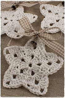 Christmans na Stylowi.pl These look pretty and easy to crochet.