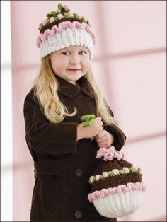 Cupcake Hat & Purse pattern Abbie would LOVE this! She has a thing for cupcakes.