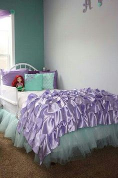 Seriously want my little girls room like this!