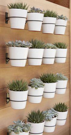 Trendy Ideas For Succulent Planter Box Diy Garden Ideas Garden Wall Designs, Vertical Garden Design, Vertical Wall Planters, Herb Garden Design, Vertical Gardens, Diy Planters, Diy Garden Decor, Garden Planters, Planter Pots
