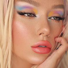professional ladies makeup face blush contour highlighter stick foundation make up bronzer base concealer pencil maquiagem Cute Makeup Looks, Makeup Eye Looks, Eye Makeup Art, Skin Makeup, Eyeshadow Makeup, Eye Makeup Cut Crease, Gloss Eyeshadow, Makeup Trends, Makeup Inspo