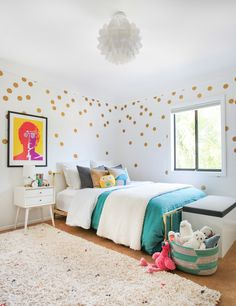 Photography: Tessa Neustadt - tessaneustadt.com/  Read More: http://www.stylemepretty.com/living/2015/03/09/playful-tween-bedroom-with-gold-dots/