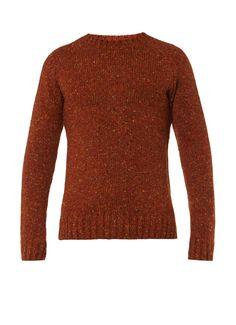 Netherby grofgebreide trui van Barbour is vervaardigd uit zuiver wol en uitgevoerd in gemêleerd bruin. Verder is het stoere exemplaar voorzien van een ronde hals en lange mouwen en afgewerkt met ribgebreide boorden.