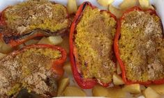 Adesso che i peperoni sono di stagione ne approfitto per cucinare spesso questa semplicissima ricetta che adoro e che generalmente è ben apprezzata da tutti, perfetta per mangiare il miglio in maniera sfiziosa: i peperoni ripieni!Servono pochissimi INGREDIENTI, quelli che vi indico bastano per 2 persone:- 2 peperoni grandi- 250 grammi di miglio- 1 ...