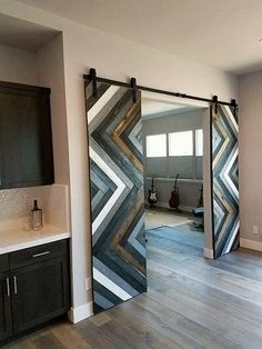 Get ready to add up your house with the creativity of sliding door amazing designs that are completely ravishing added with the wood pallet artwork. This is simply an artistic idea that is being roughly designed out in fascinating sort of hues and cuts.