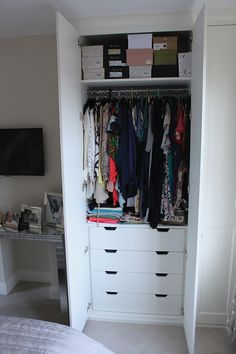 Clever Hanging Wardrobe To Storing Your Outfit 42 Alcove Wardrobe, Hanging Wardrobe, Wardrobe Drawers, Wardrobe Cabinets, Wardrobe Storage, Bedroom Wardrobe, Wardrobe Closet, Built In Wardrobe, Bedroom Closet Design