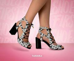Preto & branco é aquela dupla que nunca sai de moda  nem mesmo no verão. Se joga! #blackandwhite #tanarabrasil